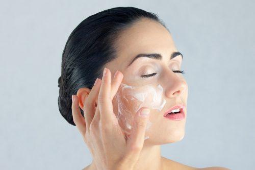 Odpowiednia pielęgnacja suchej skóry